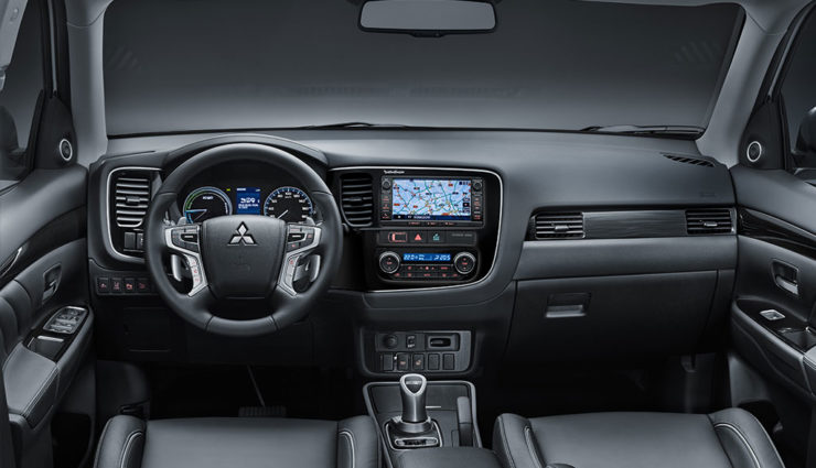 Mitsubishi-Outlander-PHEV-2017-1