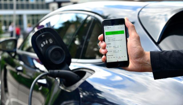 Porsche startet digitalen Elektroauto-Ladeservice
