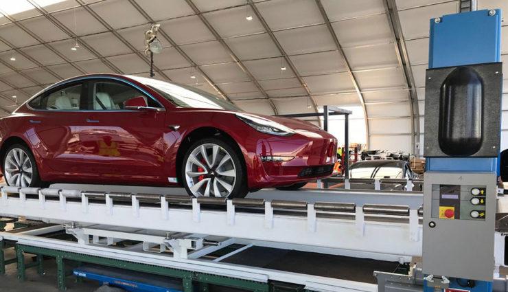 Tesla-Chef Elon Musk kämpft mit Sabotage durch einen Mitarbeiter