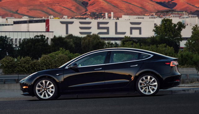 Tesla Model 3 überholt Premium-Konkurrenz in den USA