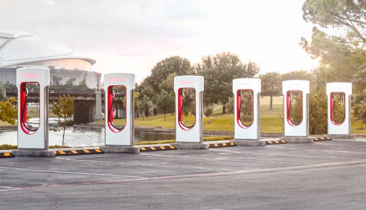 Tesla-Supercharger-10.000