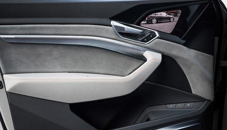 Audi-e-tron-Interiror-11