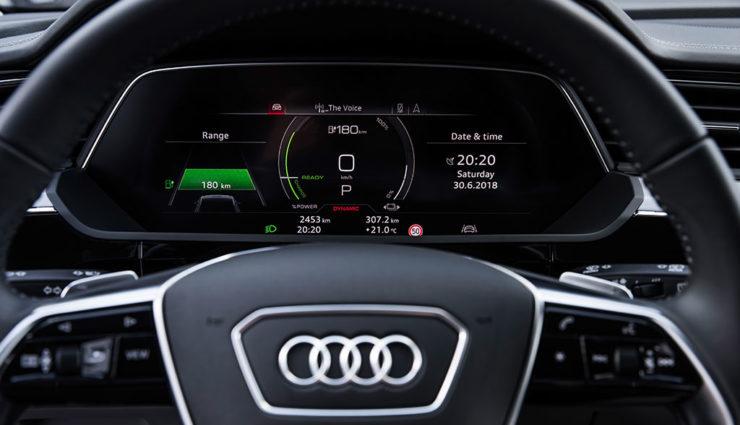 Audi-e-tron-Interiror-8