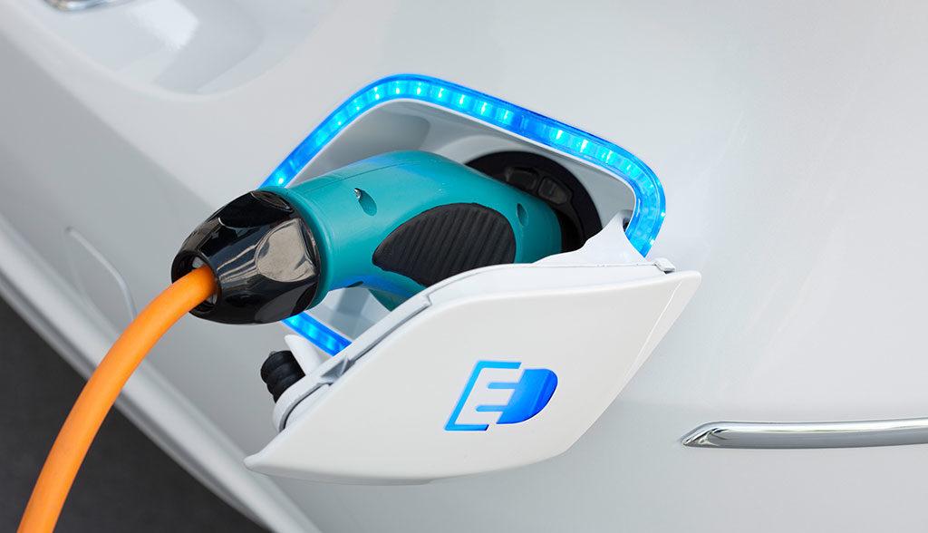 Elektroauto-Ladesaeulen-Check