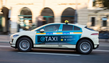 Jaguar-I-Pace-Elektroauto-Taxi-Muenchen