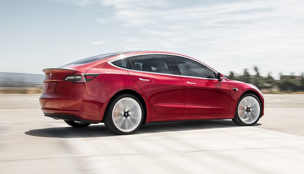 Tesla-Model-3-Performance-Reifen