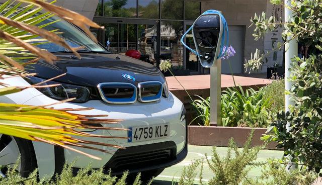 BMW stattet Mallorca mit Elektroauto-Ladestationen aus