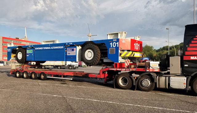Hamburg: Container Terminal Altenwerder flottet erste Lithium-Ionen-Transporter ein