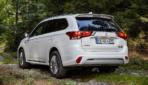 Mitsubishi-Outlander-Plug-in-Hybrid-2019-9