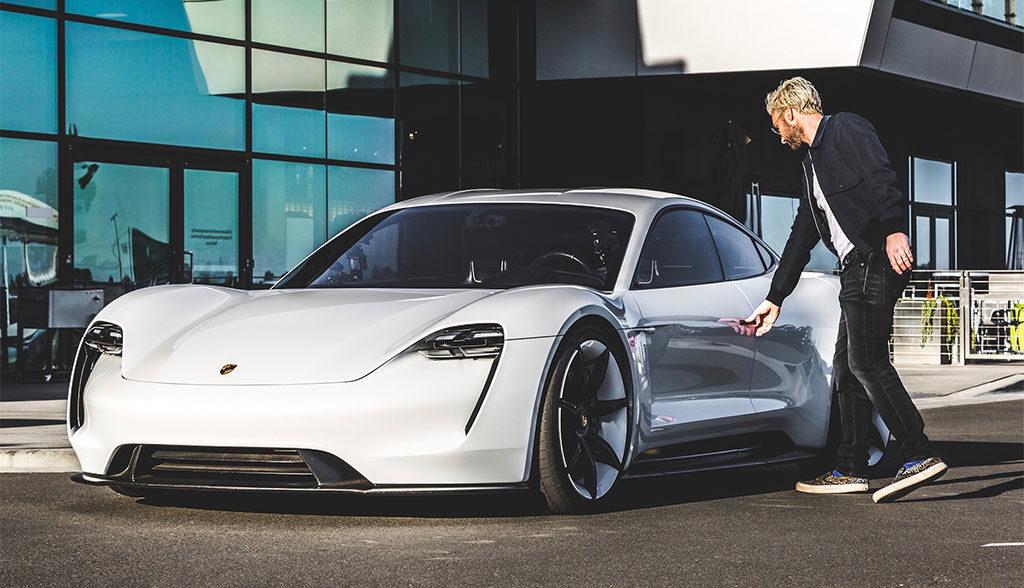 Porsche-Taycan-induktives Laden