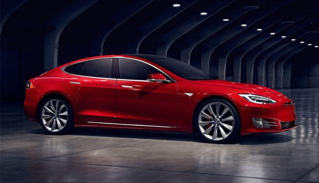 Tesla plant minimalistisches Interieur für Model S und Model X
