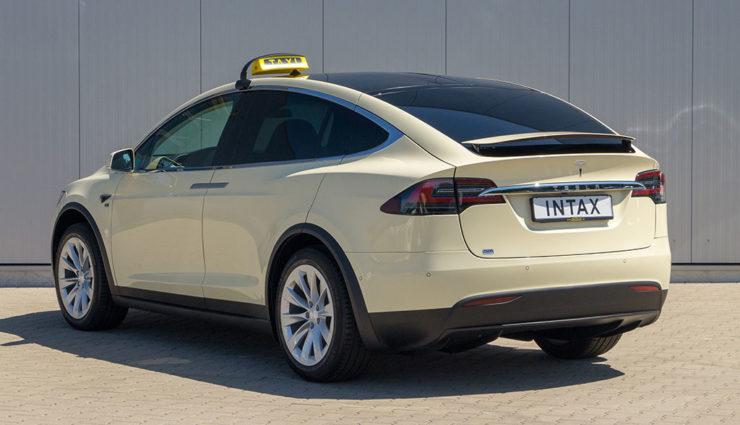Tesla-Model-X-Taxi-Intax-2018-2
