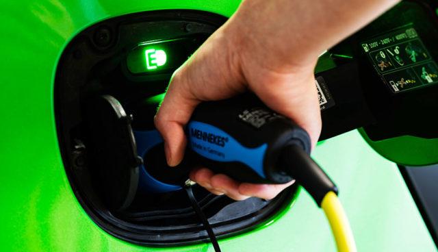 Staatlich gefördertes Elektroauto-Ladenetz kommt nicht voran