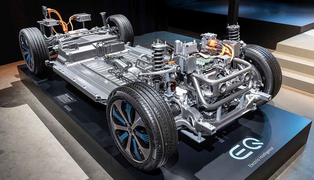 Mercedes-Benz-EQC-Sicherheit—Antrieb