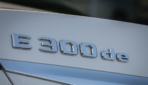 Mercedes-Benz-E-300-de-1