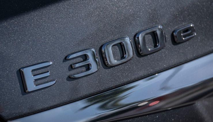 Mercedes-Benz-E-300-e-1
