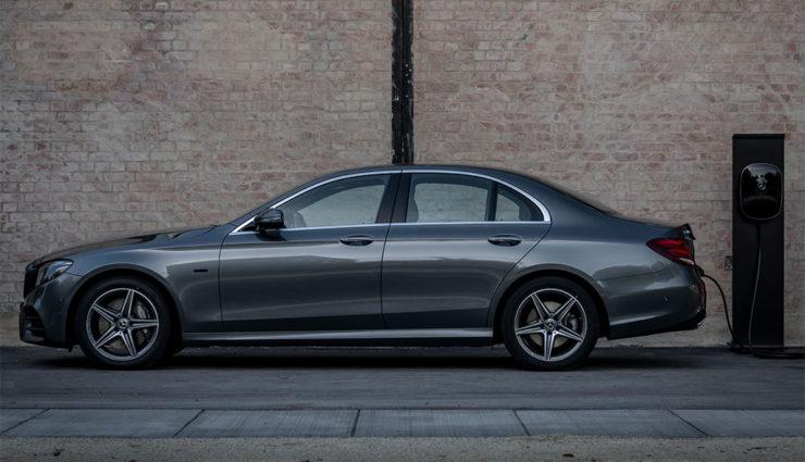 Mercedes-Benz-E-300-e-6
