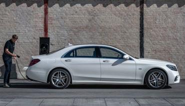 Mercedes-Benz-S-560-e-6