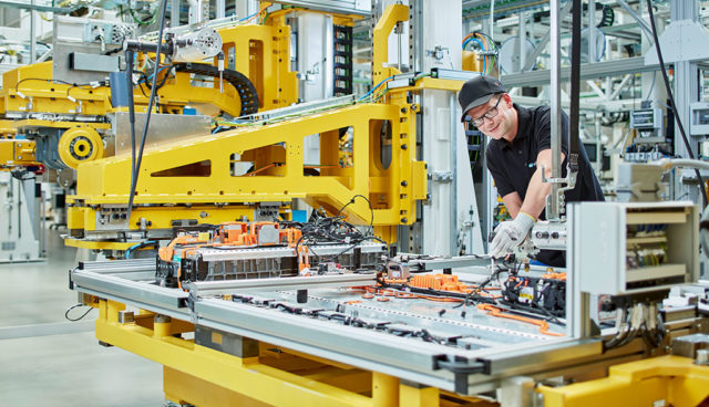 Mercedes baut Elektroauto-Batteriefabrik in den USA