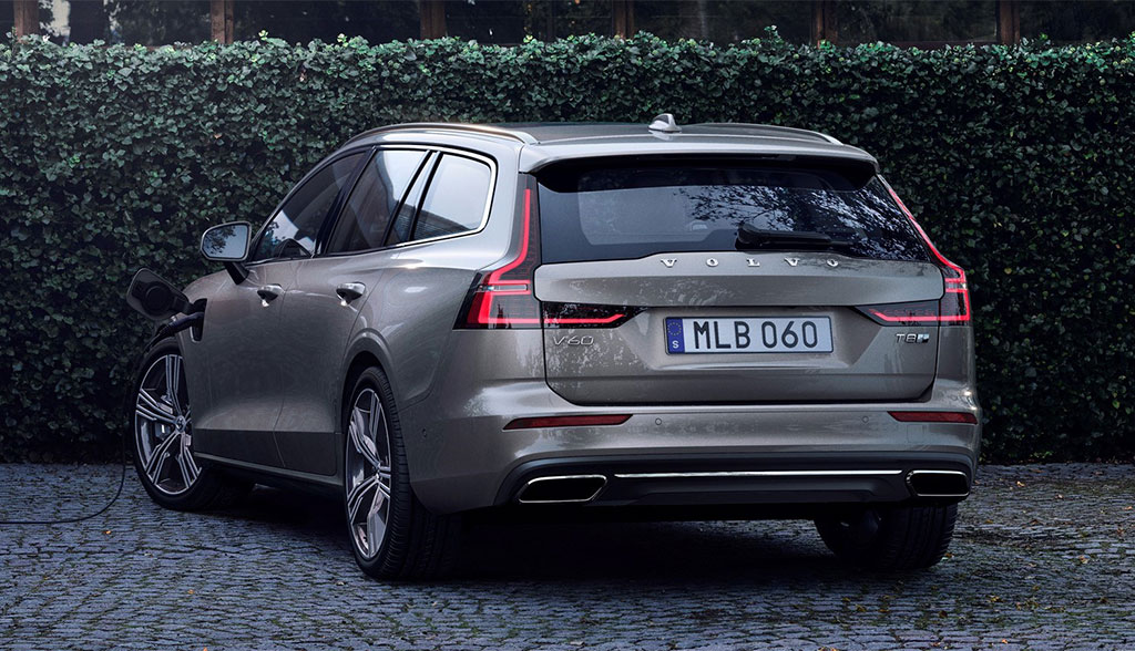Volvo-V60-Plug-in-8-Twin-Engine-AWD-2