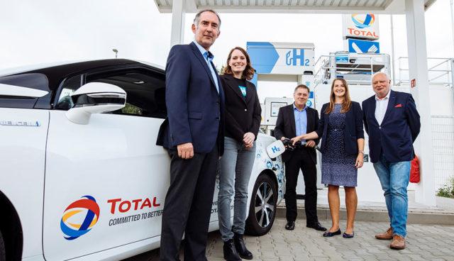 Erste Tankstelle für Wasserstoff-Elektroautos in Leipzig eröffnet