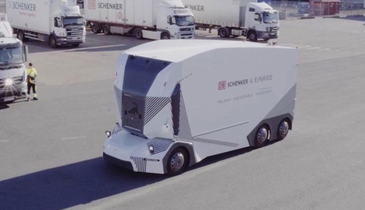 DB Schenker nimmt autonomen Elektro-Lkw Einride T-Pod in Betrieb