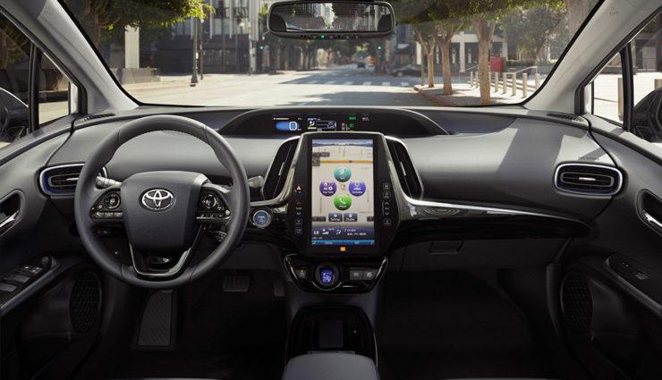 Toyota-Prius-Hybrid-AWD-i-2019-5