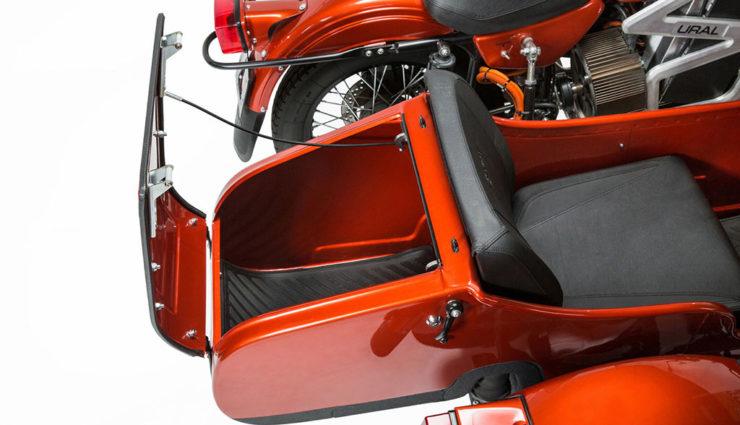 ural baut elektro motorrad mit beiwagen bilder. Black Bedroom Furniture Sets. Home Design Ideas