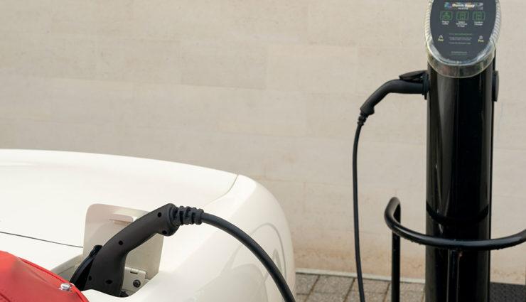 Aston-Martin-DB6-Elektro-1