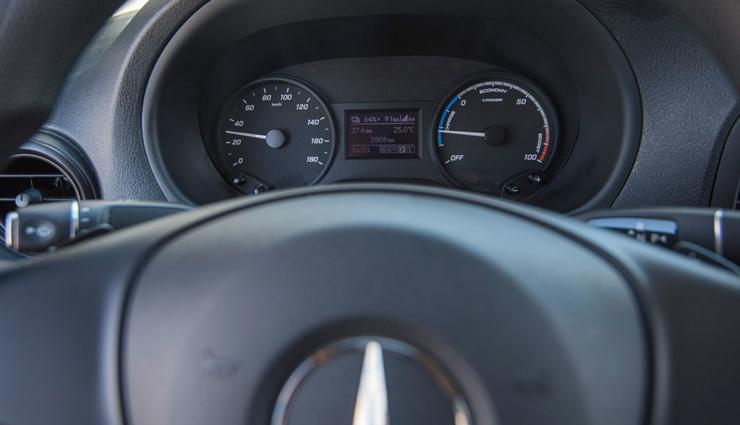 Mercedes-Benz-eVito-1