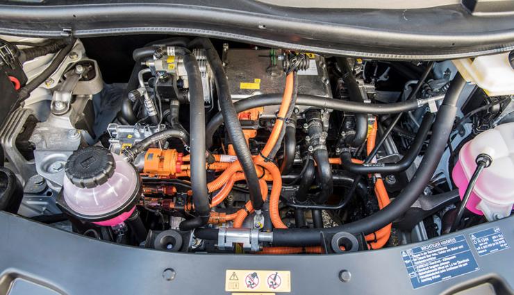 Mercedes-Benz-eVito-9