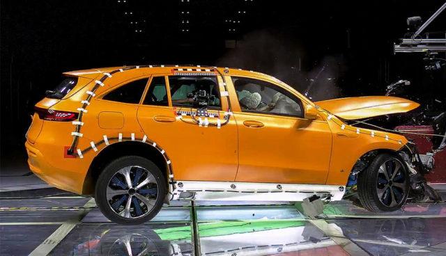 Mercedes: So sicher ist das Batterie-SUV EQC