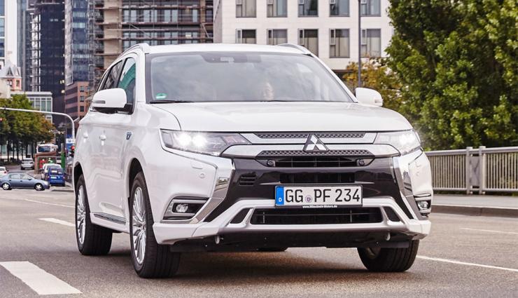 Mitsubishi-Outlander-PHEV-2019-12