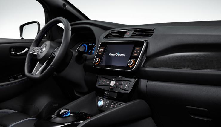 Nissan-LEAF-2019-10
