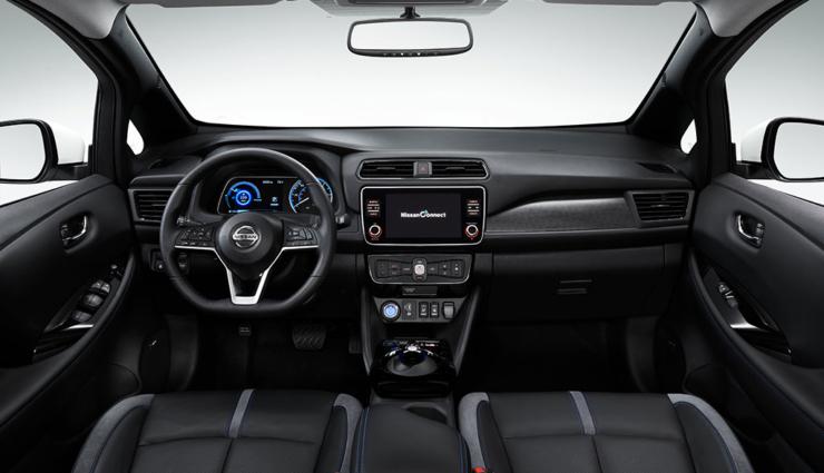 Nissan-LEAF-2019-13