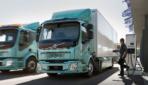 Volvo Trucks übergibt erste Elektro-Lkw an Kunden