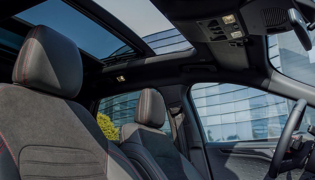 Ford-Kuga-Hybrid-2019-4