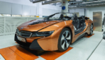 BMW-i8-Roadster-Safety-Car-2019-5