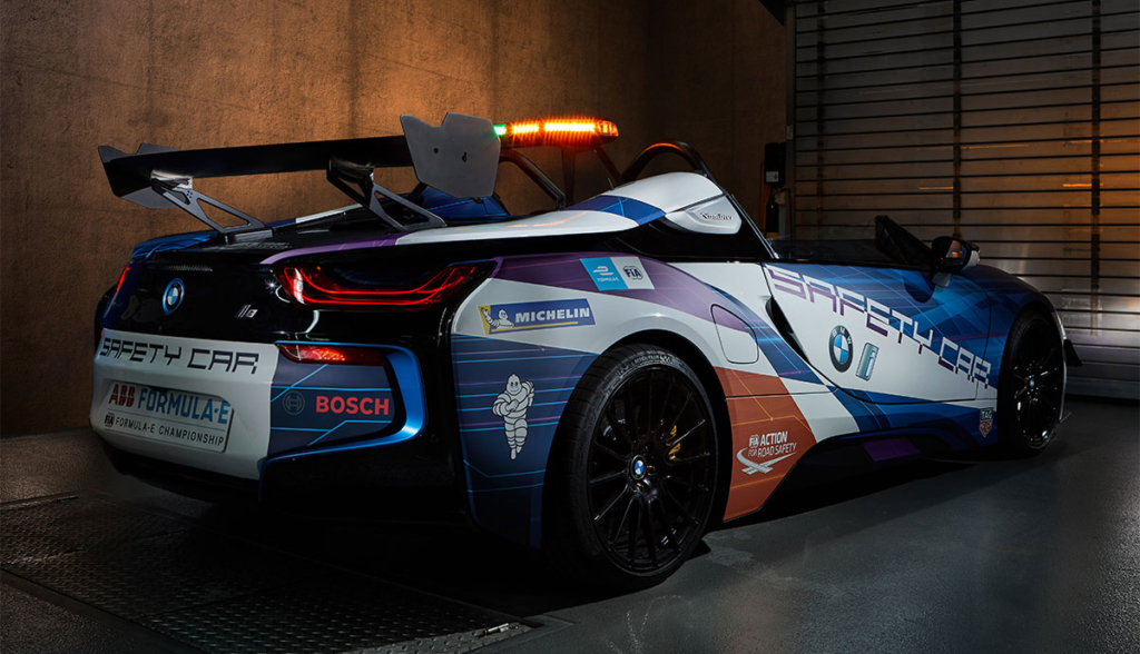 BMW-i8-Roadster-Safety-Car-2019-7
