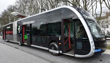 Hamburger-Hochbahn-Elektrobus