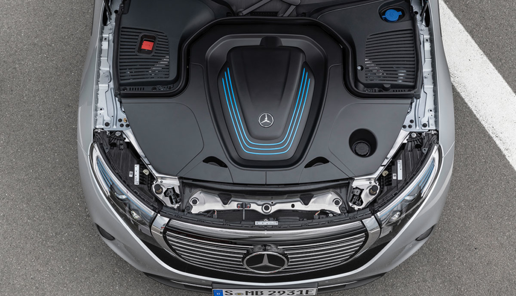 Mercedes-Benz-EQC-2019-6
