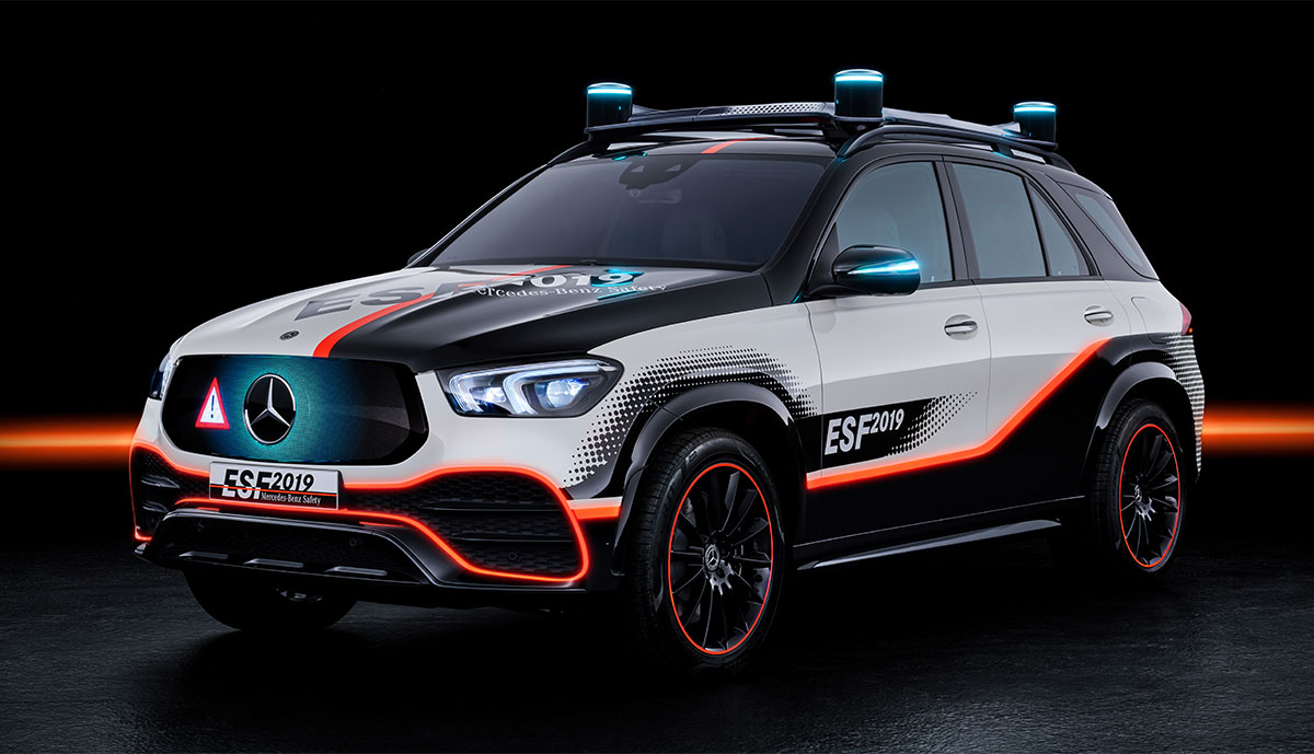 "Mercedes zeigt ""Experimental-Sicherheits-Fahrzeug"" (ESF) 2019"
