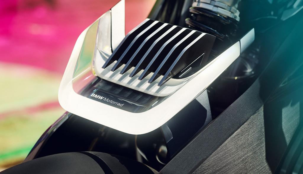 BMW-Motorrad-Vision-DC-Roadster-2019-5