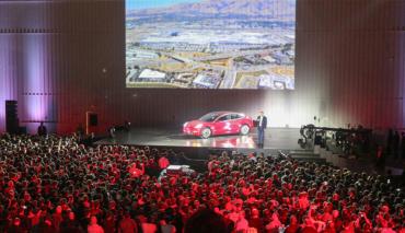 Tesla-Marketing-Werbung