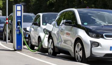 Bosch-Elektroauto-Batterie-Cloud