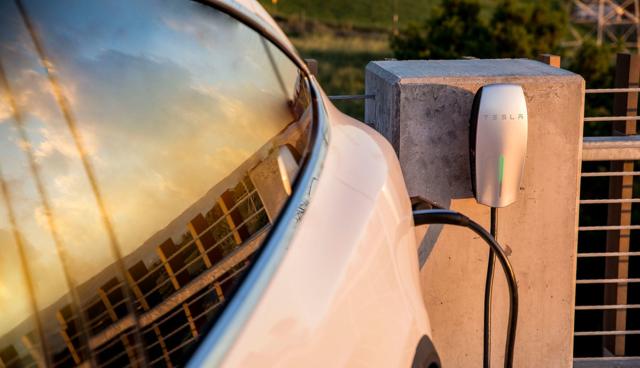 Elektroauto-Feuer-Hitze