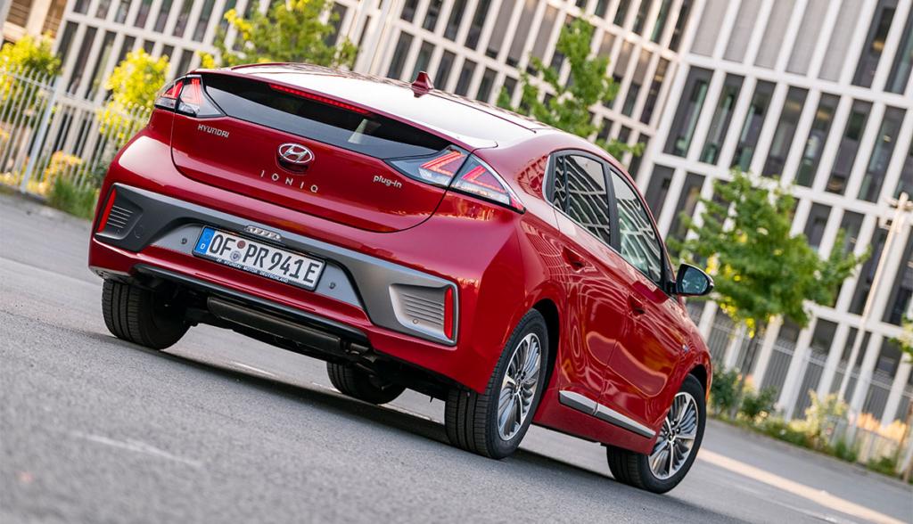 Hyundai-Ioniq-Plug-in-Hybrid–2020-4