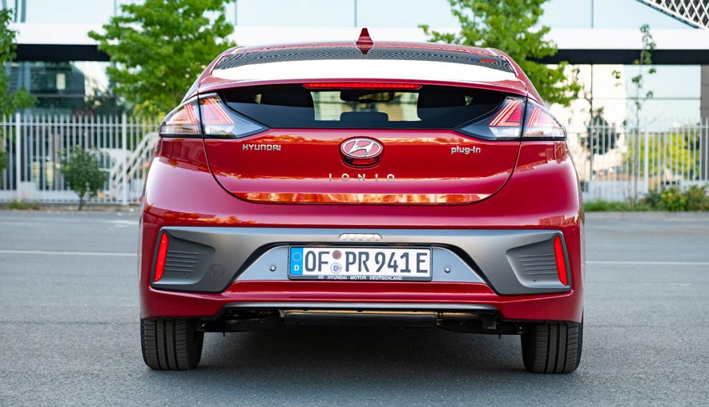 Hyundai-Ioniq-Plug-in-Hybrid–2020-8