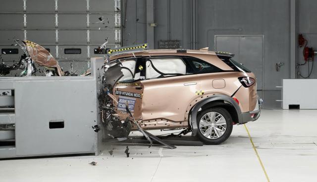 Hyundai-Nexo-IIHS-Crashtest
