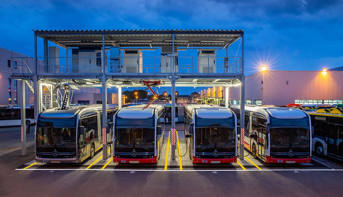 Mercedes stellt Ladelösungen für Elektro-Busse vor